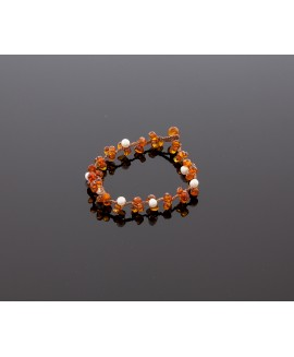Faceted amber bracelet with pearls