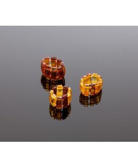 Classic amber ring